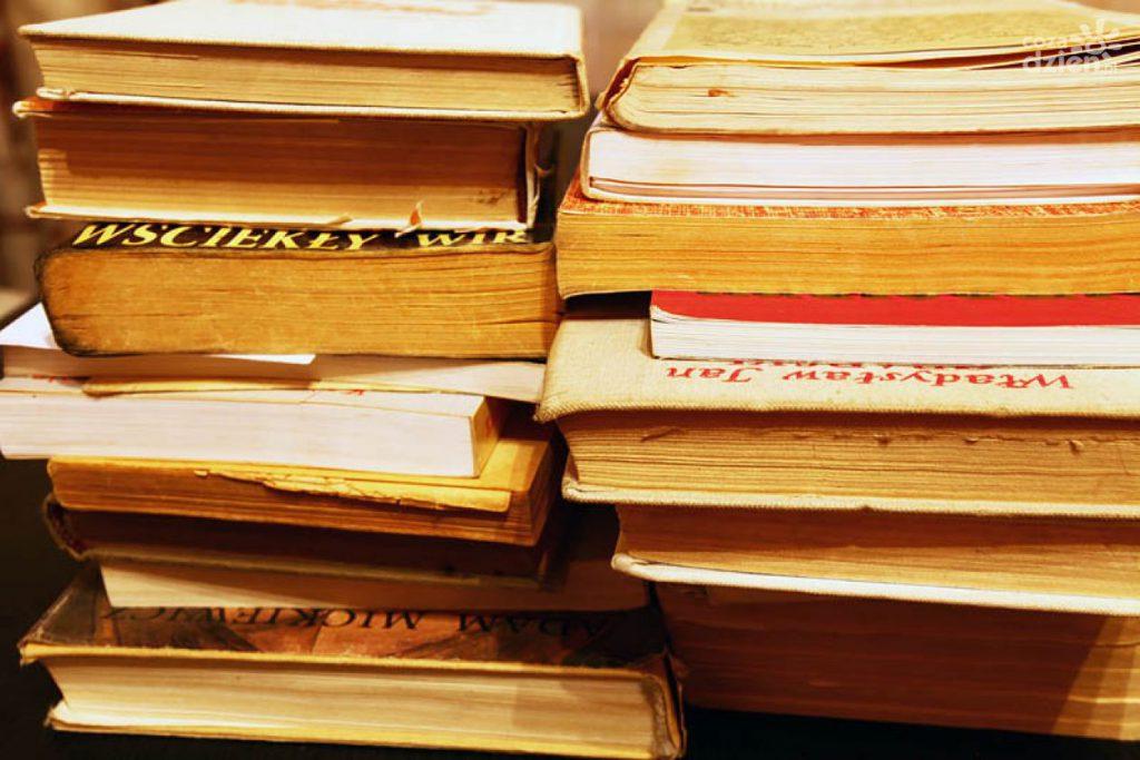 Lire un livre réduit le comment perdre des kilos en trop stress et vous met dans une Lemieuxéditeurmeilleure humeur.